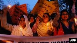 Демонстрация в защиту прав женщин в Пакистане