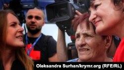 Мати і сестра Володимира Балуха в аеропорту «Бориспіль» 7 вересня 2019 року