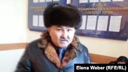 Абильда Абдикаримов, юрист, оказывающий юридическую поддержку инвалиду Гульжаз Абжамаловой. Караганда, 21 января 2015 года.