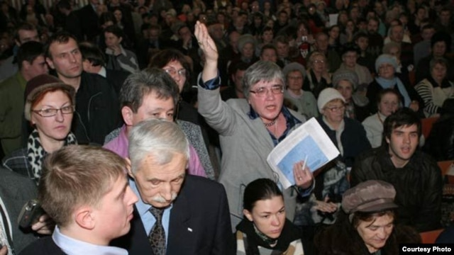"Ольга Андронова на слушаниях по ""Охта-центру"""