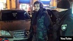 Тимур Махаури во время задержания в Киеве