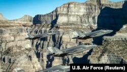 Американские военные самолеты F-35.