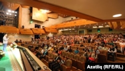 VI Бөтендөнья татар яшьләре форумы резолюциясенә Казанда татар телендә фильмнар күрсәткән кинотеатр ачу тәкъдиме кертелгән иде