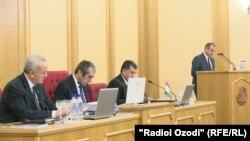 На заседании верхней палаты таджикского парламента