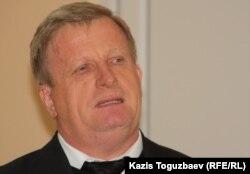 Заместитель председателя ассоциации русских, славянских и казачьих общественных объединений Казахстана Анатолий Чесноков. Алматы, 13 октября 2011 года.