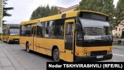 """На смену желтым голландским автобусам в Тбилиси придут, а точнее, приедут, зеленые китайские. Сегодня мэрия объявила, что из шести участников тендера наиболее выгодные условия предложила компания """"Ксиамен голден драгон бас"""""""