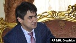 В свои 28 лет Рустам Эмомали возглавляет Антикоррупционное агентство и Футбольную федерацию Таджикистана