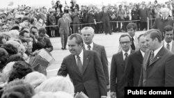 Ніксан у Менску, сярод суправаджаючых - старшыня Прэзыдыюму ВС БССР Фёдар Сурганаў, 1974 год.
