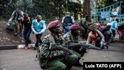 نیروهای خاص کینیا در نزدیک هوتلی که مورد حمله مردان مسلح گرفت