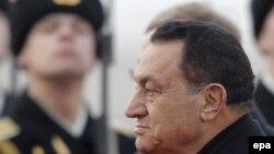 حسنی مبارک، رييس جمهوری مصر، با مقام های ترکیه ملاقات کرد