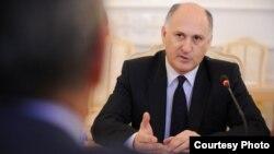 Вячеслав Чирикба считает, что судебная власть в Абхазии абсолютно зависима от главы исполнительной власти