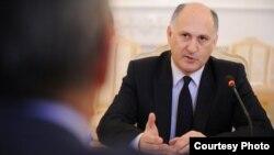 На просьбу прокомментировать свою отставку, Вячеслав Андреевич пообещал собраться с мыслями и через несколько дней изложить свою позицию более детально