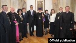Վեհափառը Վատիկանում Հայաստանի դեսպանատանը, լուսանկարը՝ Մայր Աթոռի տեղեկատվական համակարգի
