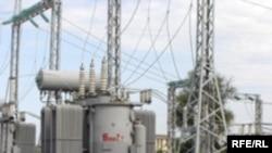 يکی از بزرگترين مشکلات مربوط به برق سراسری در عراق، تصميم استان ها برای قطع ارتباط شبکه برق خود با شبکه برق سراسری است.