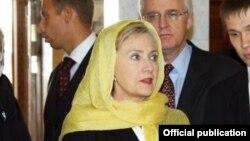 Hillary Clinton Kazanda səfərdə olanda 2009-cu il