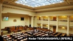 Бюро парламента зарегистрировало пакет законодательных поправок, передав их на рассмотрение в комитет по юридическим вопросам