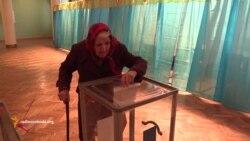 Другий тур виборів на Донбасі: підвіз виборців та перерахунок голосів на дільницях