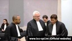 Головний прокурор Міжнародного кримінального суду Фату Бенсуда (праворуч)