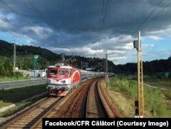 După aproape 90 de ani, călătoria cu trenul este la fel de lungă sau uneori chiar mai mult. Doar drumul spre Brașov și Constanța este, pe hârtie, mai scurt ca timp, dacă ar fi să comparăm mersul trenurilor din anii 30 ai secolului trecut și anul 2021.
