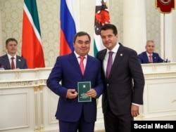 Шамиль Габдуллин (слева) и мэр Казани Ильсур Метшин (справа)