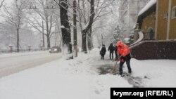 Снегопад в Симферополе, 13 февраля 2021 года