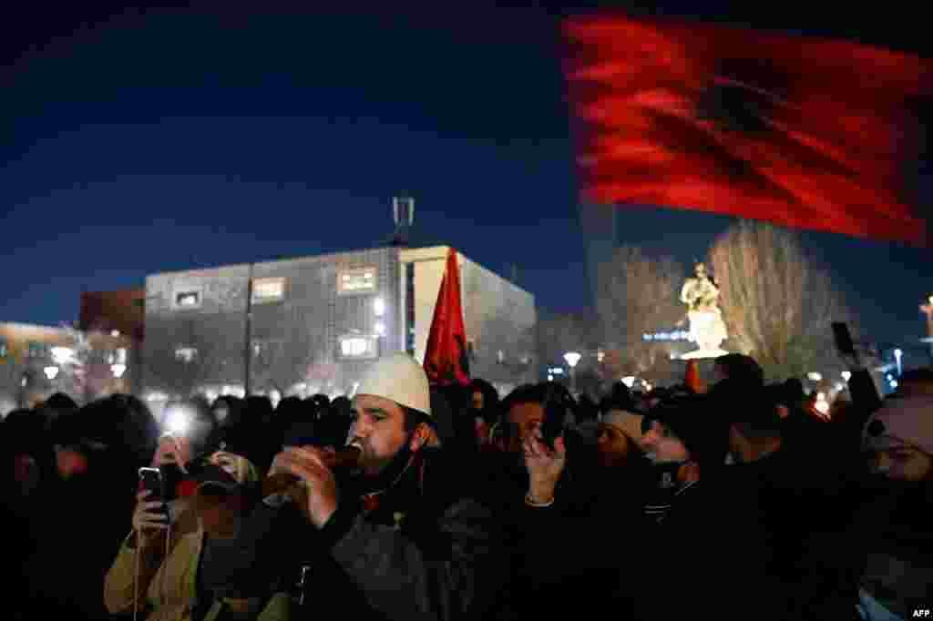 Slavlje pristalica Samoopredeljenja u Prištini