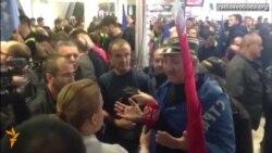 Світ у відео: У Сербії прихильники вітали повернення Воїслава Шешеля