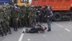Понад 700 учасників акції протесту проти корупції затримано в Москві (відео)