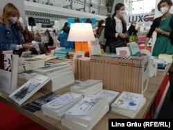 Milan Kundera - protagonistul ediției 2021 a Târgului de Carte și Festivalul Literar de la Praga. Milan Kundera s-a născut în orașul ceh Brno și a trăit și a scris în Franța.