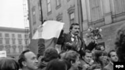Lech Walesa leading Solidarity in better days.