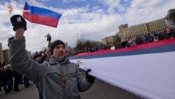 Поддаваясь кремлевской игре (видео)