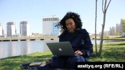 Artcom шығармашылық платформасының негізін қалаушы Әйгерім Қапар.