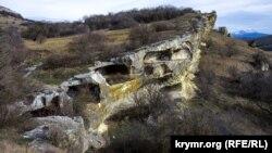Артефакти під ногами: кримське печерне місто-фортеця Бакла (фотогалерея)