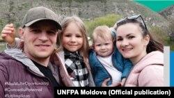 Nicolae Coadă împreună cu familia