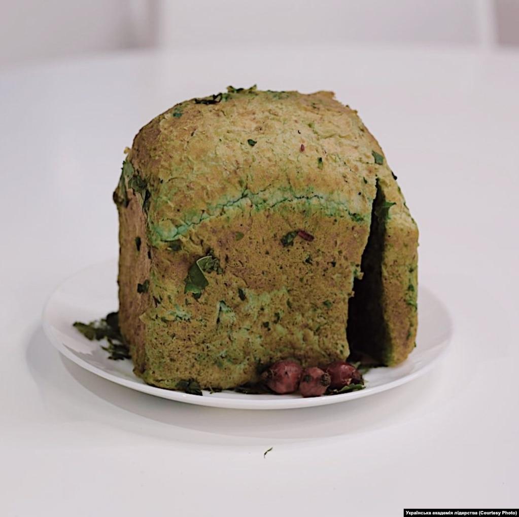 Хліб –тісто з перетертої кори зі жменькою висівок і листям лободи