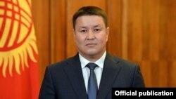 Исполняющий обязанности президента КР спикер парламента Талант Мамытов.