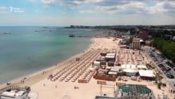 Найбільший курортний пляж на Чорному морі в Румунії відкрили після карантину – відео