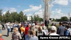 Митинг против обязательной вакцинации в Омске