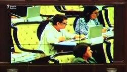 Elmira Axundova: 'Heydər Əliyevin imzasını kapota vurmaq olmaz'