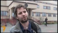 Білорусь: «Люди-плакати» протестують проти Лукашенка