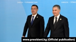 Садыр Жапаров жана Гурбангулы Бердымухамедов. 2021-жылдын 6-августу.