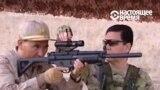 Президент Туркменистана показывает силовикам, как обращаться с оружием