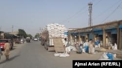 احتکار از سوی بازرگانان یکی از علتهای عمدۀ افزایش بهای موادخوراکی و مواد سوختی در کشور است.