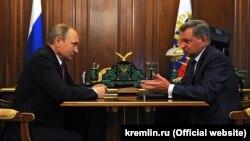 Владимир Путин и Олег Белавенцев