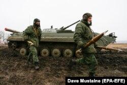 Боевики российских гибридных сил. Группировки «ДНР» и «ЛНР» проверяют «мобилизационный ресурс»