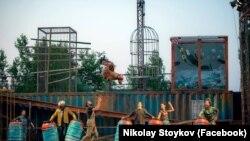 """Циркова трупа MagdaClan по време на """"Мини Арт Фест"""""""