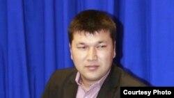Журналист Асқар Тәжиев.