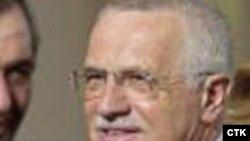 Вацлав Клаус утвердил состав правительства, у которого нет шансов получить поддержку в парламенте
