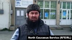 """Руководитель """"Совета чеченских беженцев"""" в Азербайджане Рамзан Молаев"""