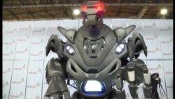 """Şou göstərən titan robotdan milli rəqs edən robotadək yeni texnologiyalar """"Bakutel 2013""""də"""